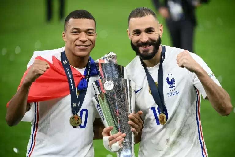 """""""इस टीम में काफी संभावनाएं हैं"""" - यूईएफए नेशंस लीग की जीत के बाद करीम बेंजेमा ने फ्रांस टीम के साथियों की प्रशंसा की"""