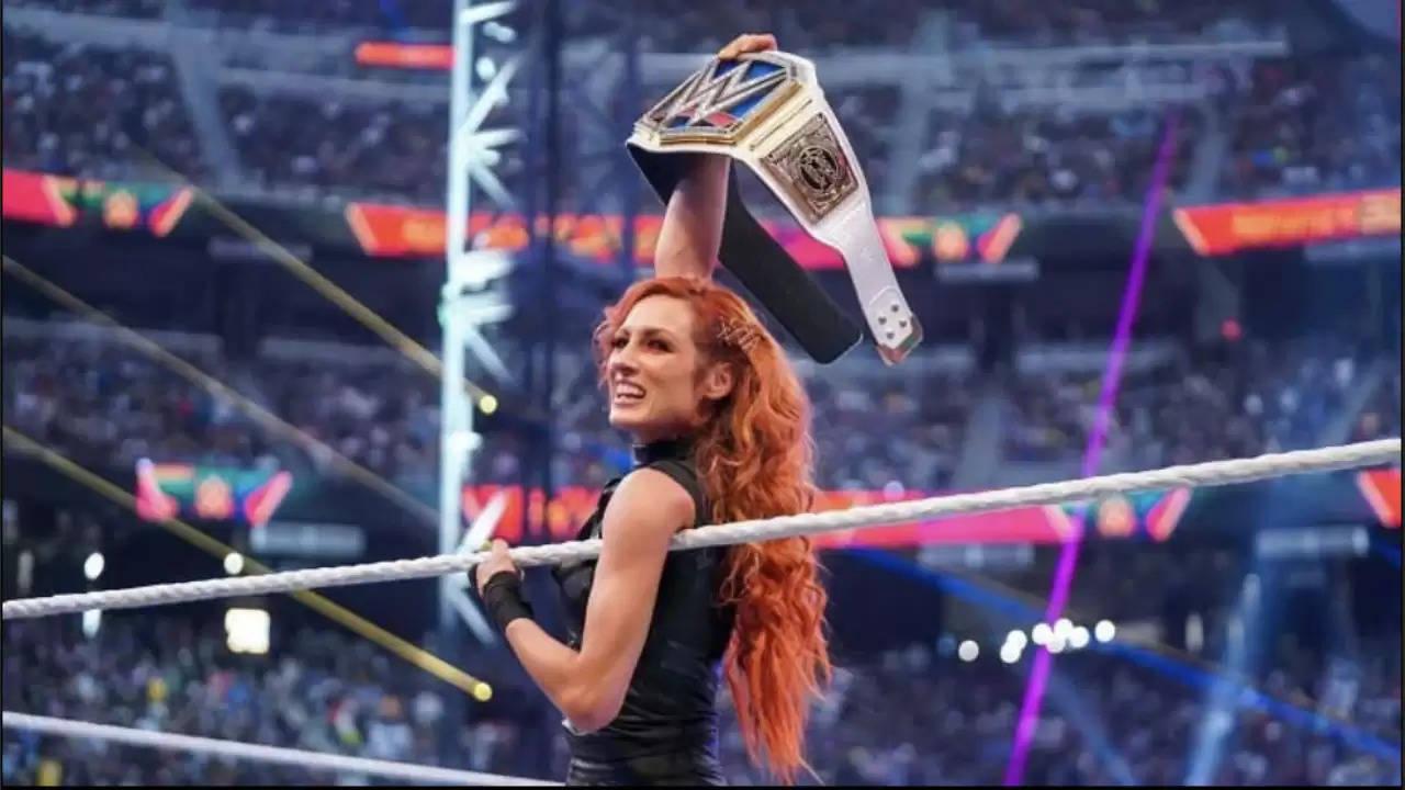 बैकी लिंच ने WWE हॉल ऑफ फेमर के खिलाफ मैच छेड़ा?