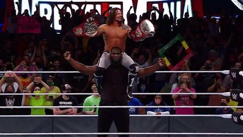 इस हफ्ते के WWE RAW के लिए एजे स्टाइल्स और ओमोस का पहला टाइटल डिफेंस सेट