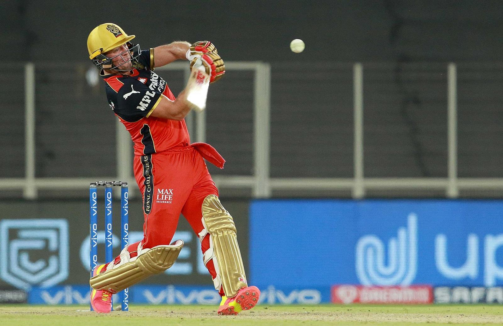 एबी डिविलियर्स दूसरे ओवरसीज बल्लेबाज और ओवरऑल 6 वें बल्लेबाज बने जिन्होंने आईपीएल में 5000 रन बनाए