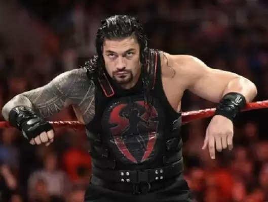 """""""मुझे लगता है कि एक बड़ा झटका आ रहा है"""" - पूर्व बुकर ने WWE में रोमन रेंस के भविष्य की भविष्यवाणी की (अनन्य)"""