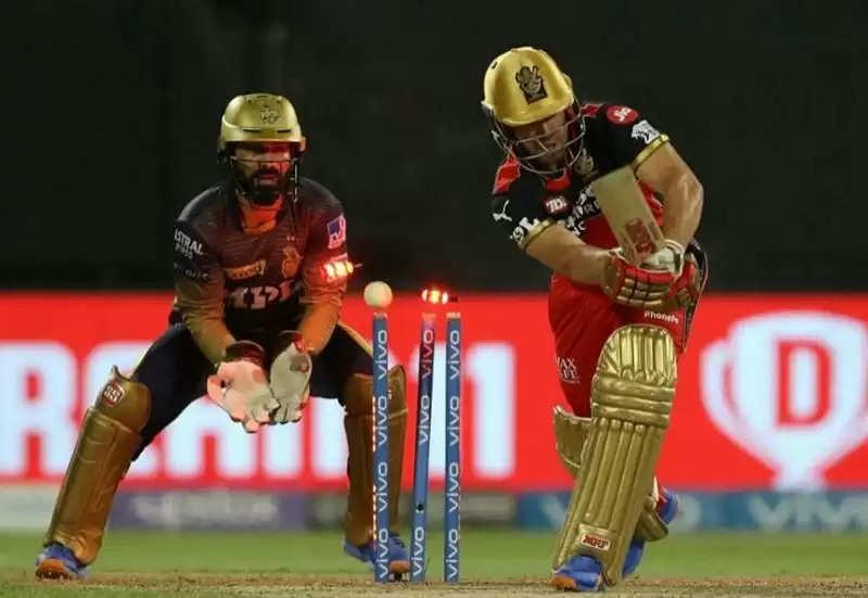 विराट कोहली की कप्तानी में अंतिम मैच हारने को लेकर ट्विटर पर छिडी बहस, सहवाग ने कहा..