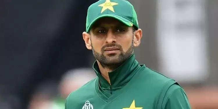 T20 World Cup 2021: पाकिस्तान की वर्ल्ड कप टीम में शोएब मलिक की एंट्री, जानिए किस खिलाड़ी की जगह स्क्वॉड में शामिल हुए