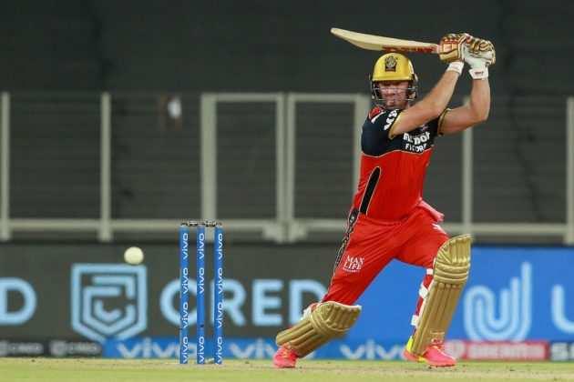 IPL 2021 में DC vs RCB: एबी डिविलियर्स ने 42 गेंदों में 75 रन बनाए, आईपीएल के 5,000 रन बनाए