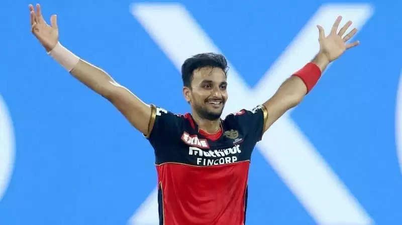 """IPL 2021: """"हर्शल पटेल रहे हैं सीजन के सर्वश्रेष्ठ गेंदबाज"""" -गौतम गंभीर"""